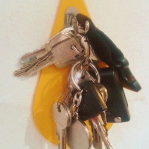 schluesselbrett-key-drop-mit-schluesseln