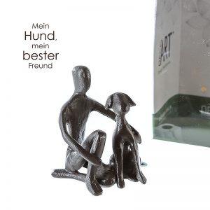 skulptur-kind-mit-hund