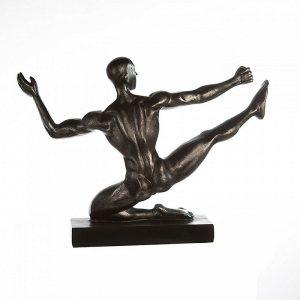 skulptur-sportsman-rueckansicht