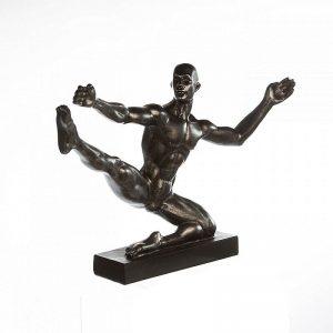 skulptur-sportsman-schraege-ansicht